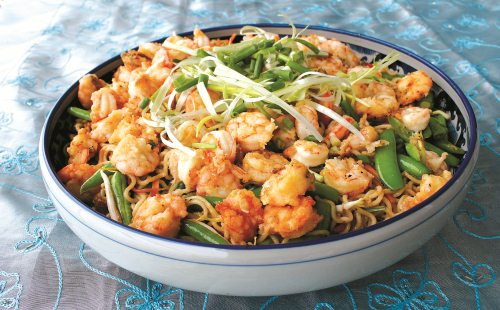 Recipe: Crispy Prawns with Chinese Noodle Stir-Fry
